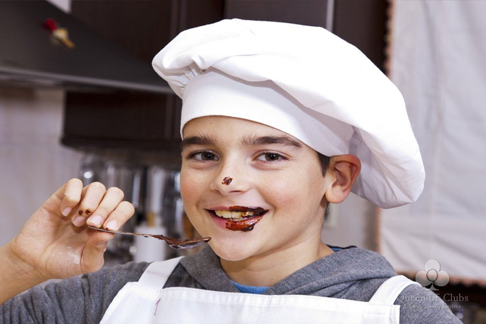 CHILDREN CHOCOLATE MAKING IN PARIS.jpg