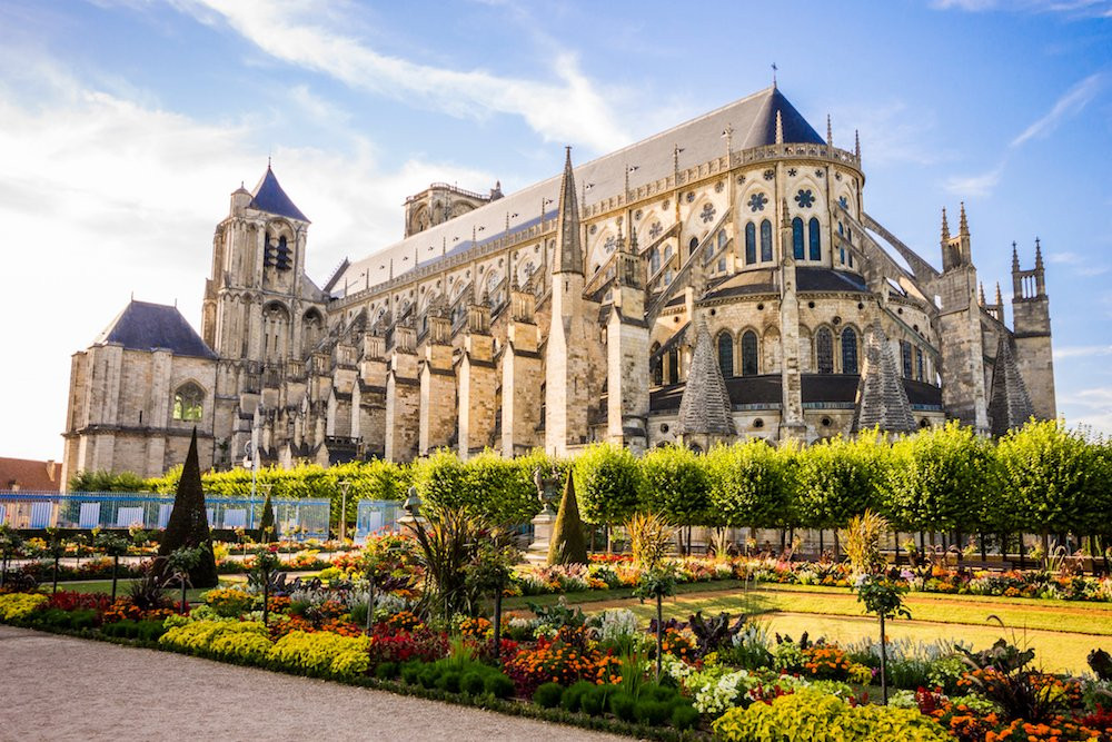 DISCOVERING BOURGES CITY.jpg